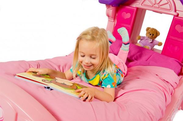 Camera da letto dei principessa letto ragazza letto