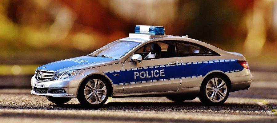 macchina dlla polizia radiocomandata