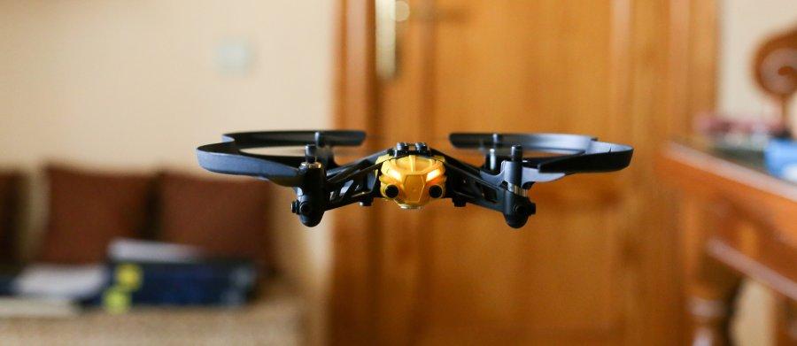 usare il drone al chiuso